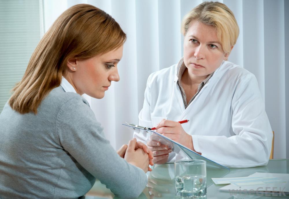 :Женщина на приёме у врача